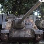 Char de combat tank SU-100