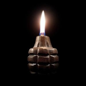 grenade lampe a huile bougie armee