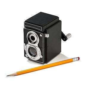 taille crayon appareil photo vintage manivelle