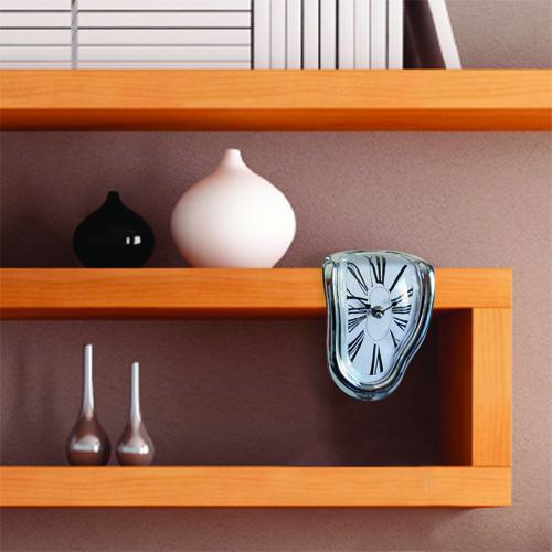 horloge-degoulinante-meuble