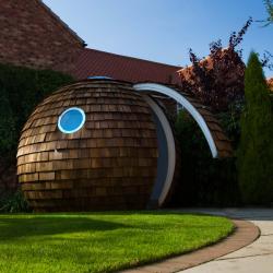 Cabane de jardin boule de luxe