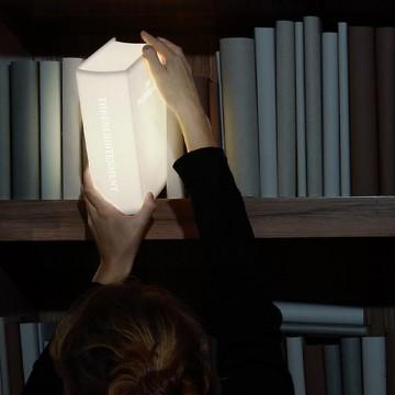 livre-lampe-bibliotheque