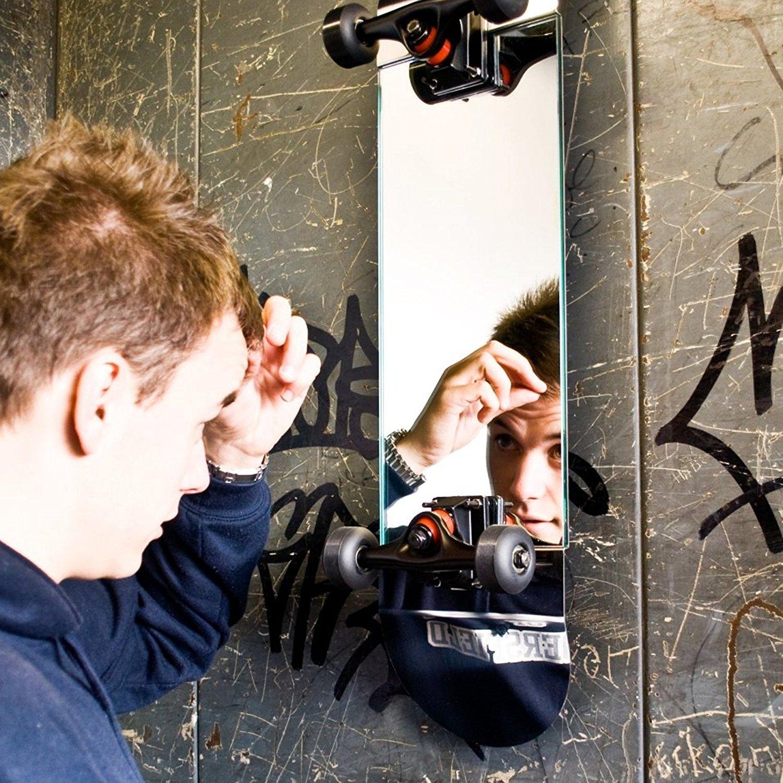 miroir-skateboard-suck-uk-planche-a-roulettes