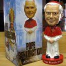 pape-benoit-xvi-16-bobblehead-conclave