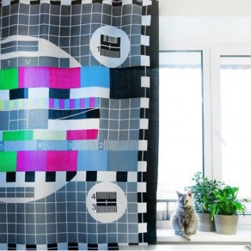 rideau-de-douche-mire-tv-polyester-vintage
