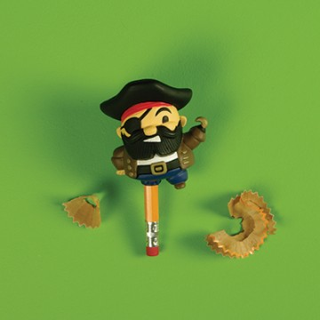 taille-crayon-pirate-jambe-de-bois