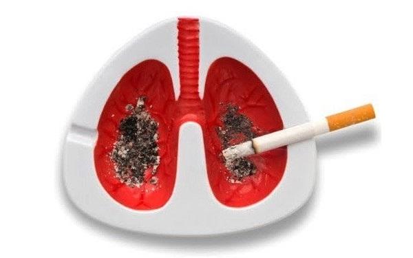 cendrier-poumon-anti-tabac