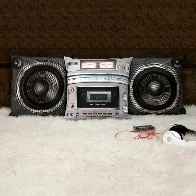 coussin-poste-radio-portable-cassette