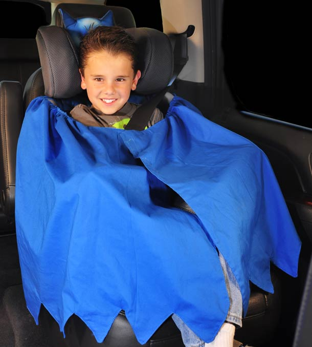 siege-auto-enfant-batman-cape