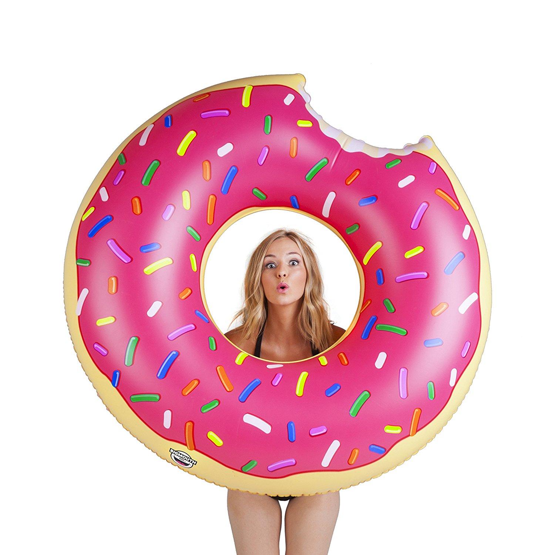 bouee-geante-donuts-femme