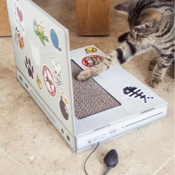 griffoir-pour-chat-pc-portable