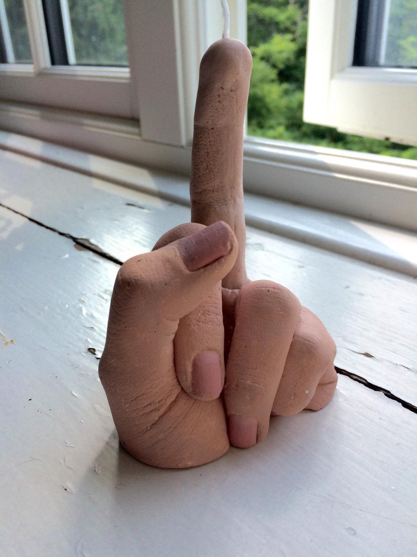 bougie-doigt-honneur-fuck-you