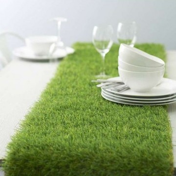 le-chemin-de-table-en-faux-gazon-herbe