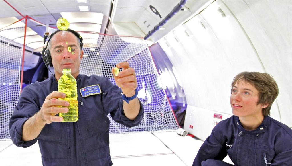 vol-apesanteur-airzerog-bulle_eau-light