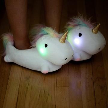 chaussons-licorne-lumineux-1