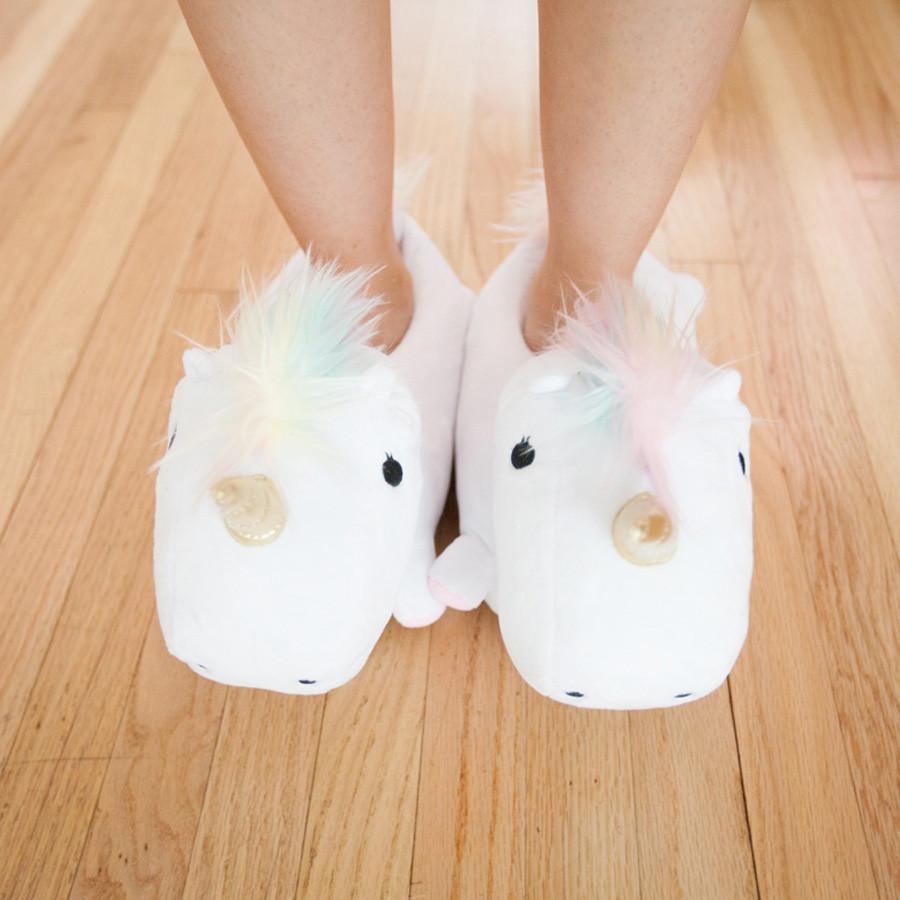 chaussons-licorne-lumineux-2
