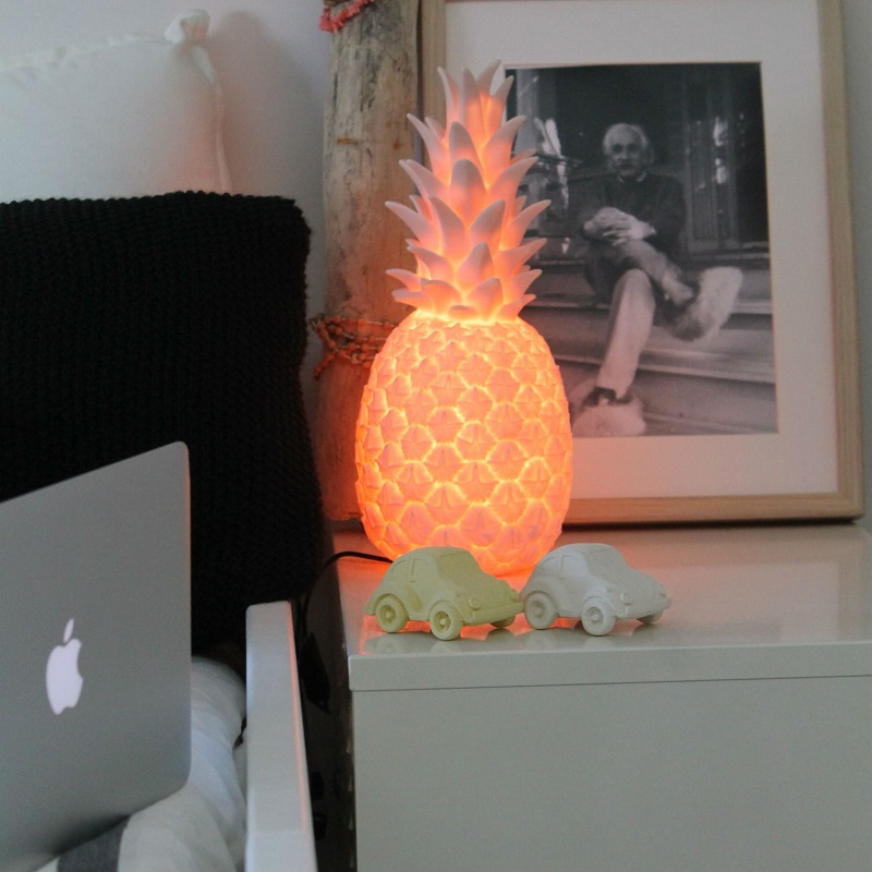 lampe veilleuse ananas pina colada avant j 39 tais riche. Black Bedroom Furniture Sets. Home Design Ideas