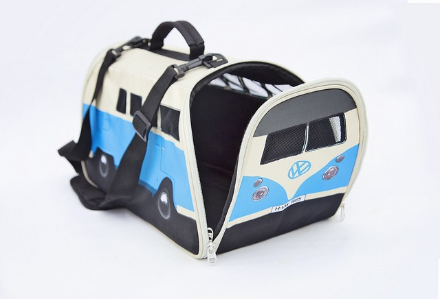volkswagen-bus-pet-carrier-3888