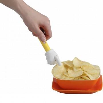 main-attrape-chips-anti-doigts-gras