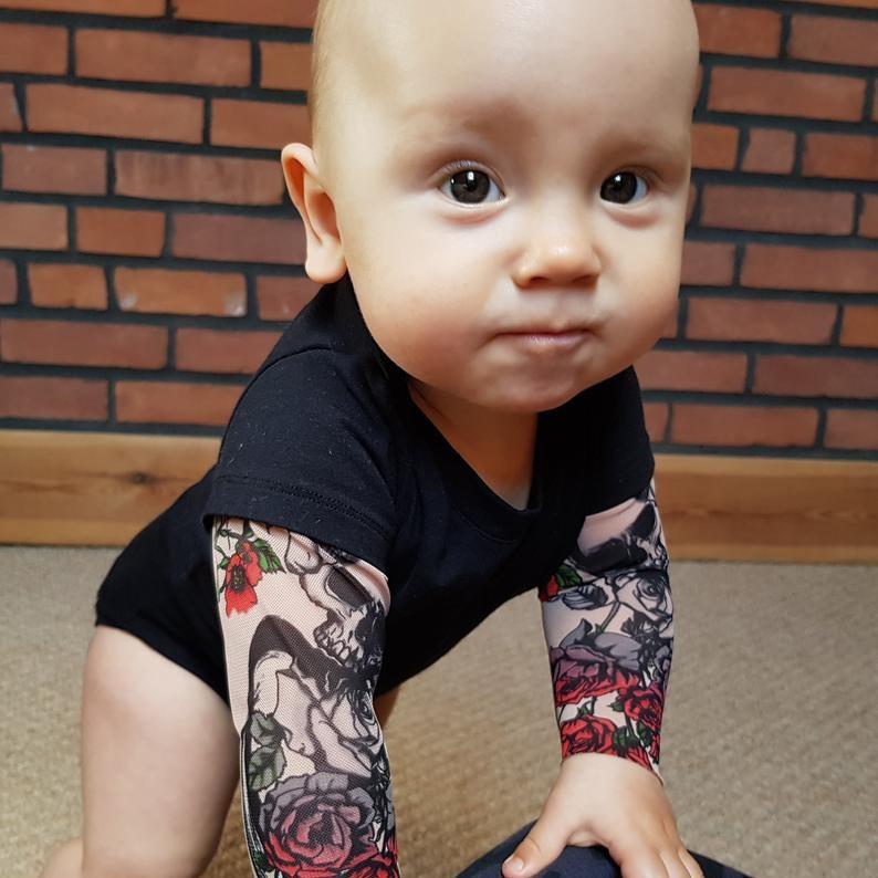 body-bras-tatoues-enfant-tatouage-bebe-2