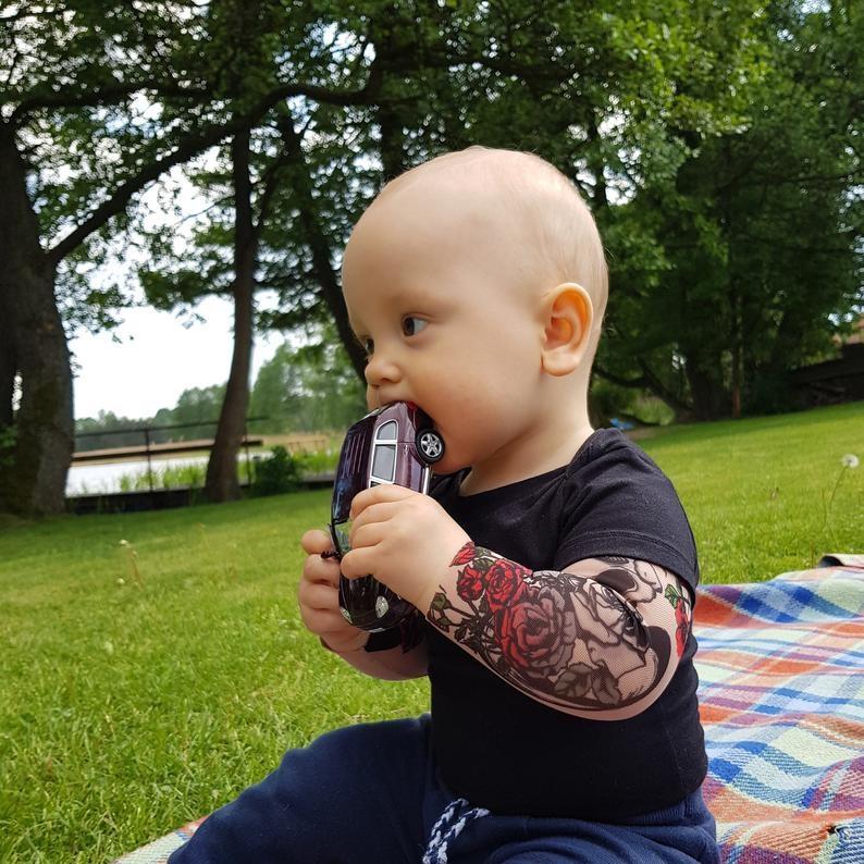 body-bras-tatoues-enfant-tatouage-bebe-3