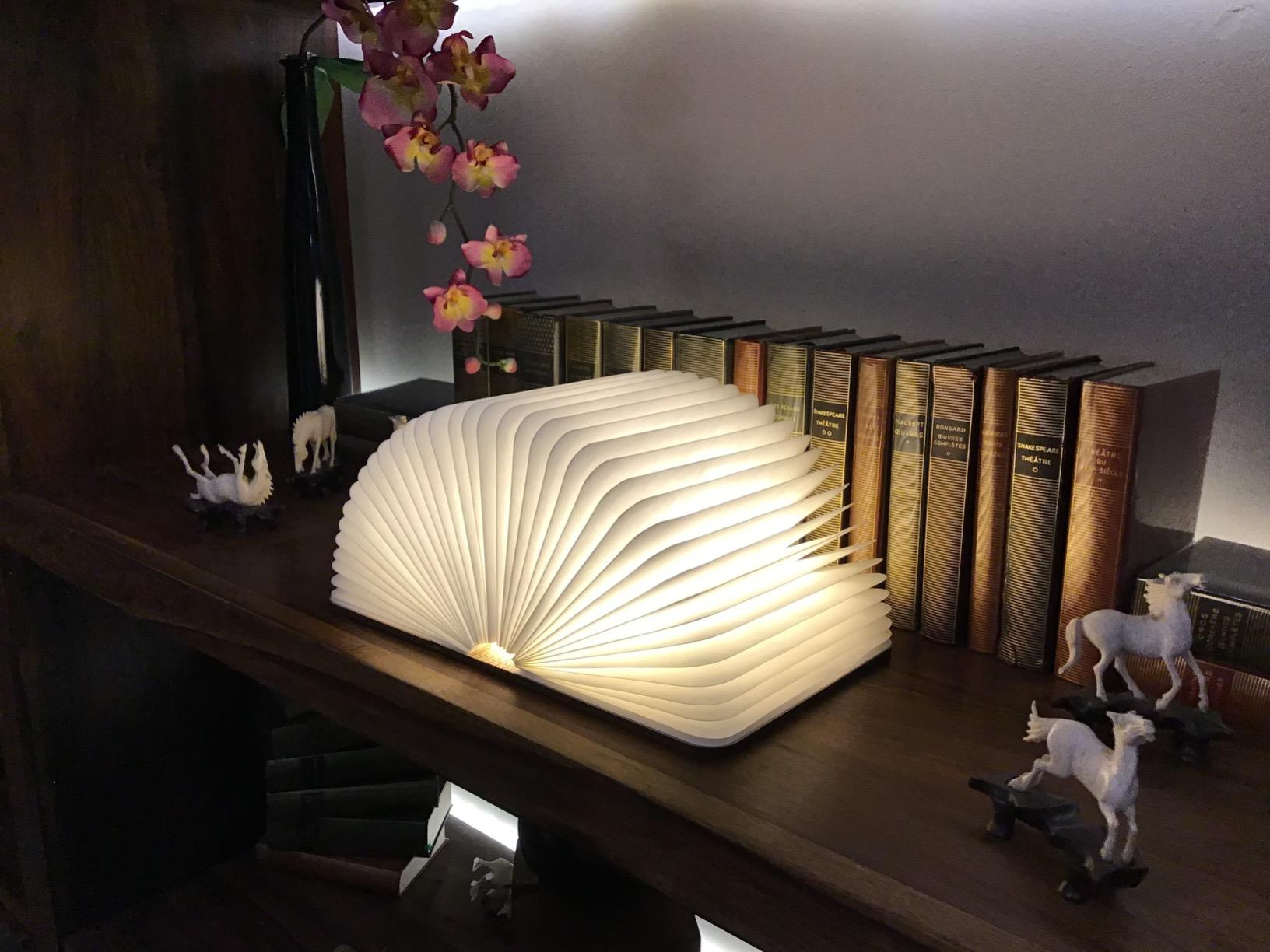 livre-lampe-led-lumineux